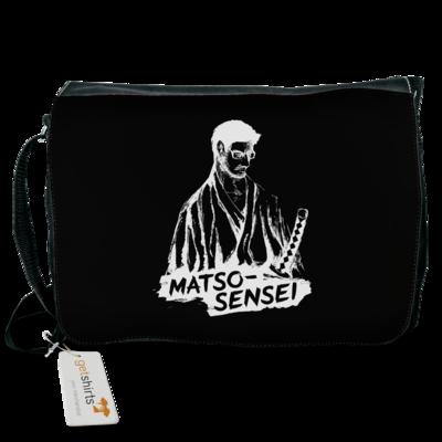 Motiv: Schultertasche - Matso-Sensei