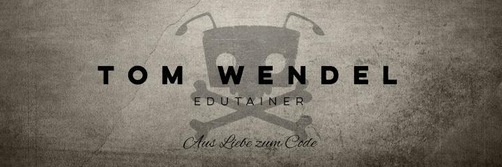 """Tom Wendels Loot Box - Ich bin aufgewachsen in einem kleinen, beschaulichen Dörfchen im nahen Westen der Republik, studierte Informatik an der Hochschule zu Karlsruhe und war eine ganze Weile freischaffender Software-Schmied für die unterschiedlichsten Projekte.   Schon früh war die Begeisterung für Spiele - das Bauen, nicht das Spielen - klar. Das Abenteuer begann bereits mit den ersten bitverarbeitenden Geräten und mündete in dem bislang verbreitetsten seiner Titel """"AntMe!"""", einem allseits beliebten Lernspiel für Programmierer. Dies führte mich bereits nach Ausbildungsende in die entlegensten Regionen Deutschlands, um ehrenamtliche Schulungen für junge Programmierer durchzuführen.  Später war ich als Developer Evangelist bei Microsoft unterwegs. Mit hunderten Vorträgen, Fach-Artikeln und Büchern habe ich Entwickler jeglicher Ausrichtung über die aktuellsten Technologien informiert, wo er seine Liebe zu Spielen mit dem Schwerpunkt Gaming und Multimedia ausleben konnte. Zwischenzeitlich war ich Community Manager für die Bayerische Spiele Entwickler Community und half dort bei der Vernetzung der coolen Leute und Organisation von Veranstaltungen und Messen."""